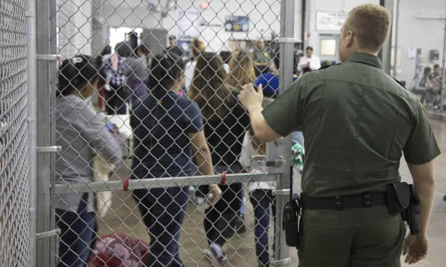 People detained by US Border Patrol agents are held in a 'processing centre' in Texas.