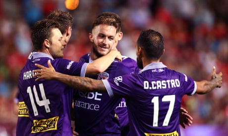 A-League: Castro nets twice as Perth Glory thrash Adelaide
