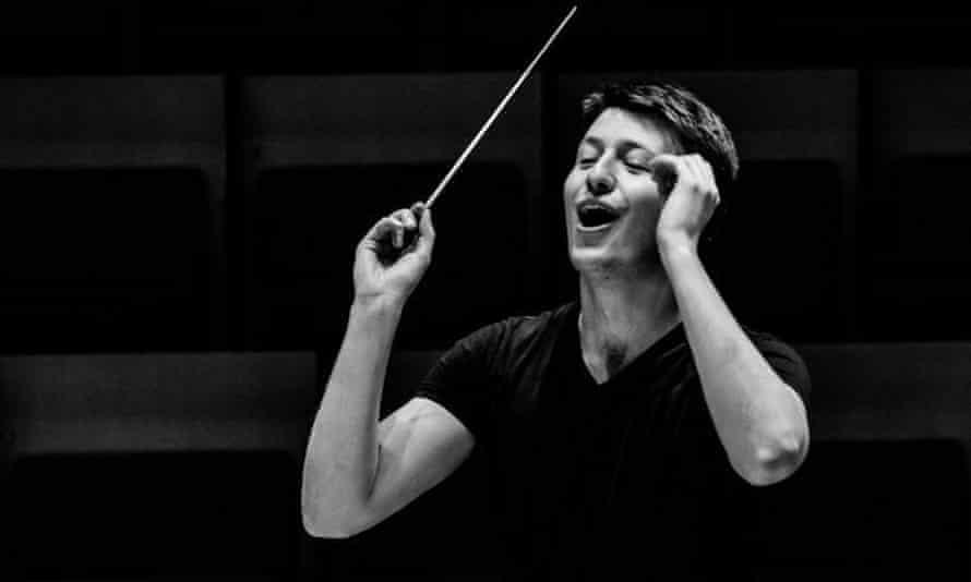 Transparent textures ... conductor Duncan Ward.