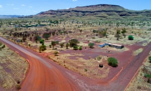 The final landholders in the former asbestos mining town of Wittenoom in Western Australiawill be compensated for their properties by the state government.