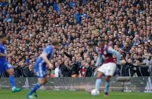 A crowd of 25,696, including 1988 Villa fans, witnessed the match