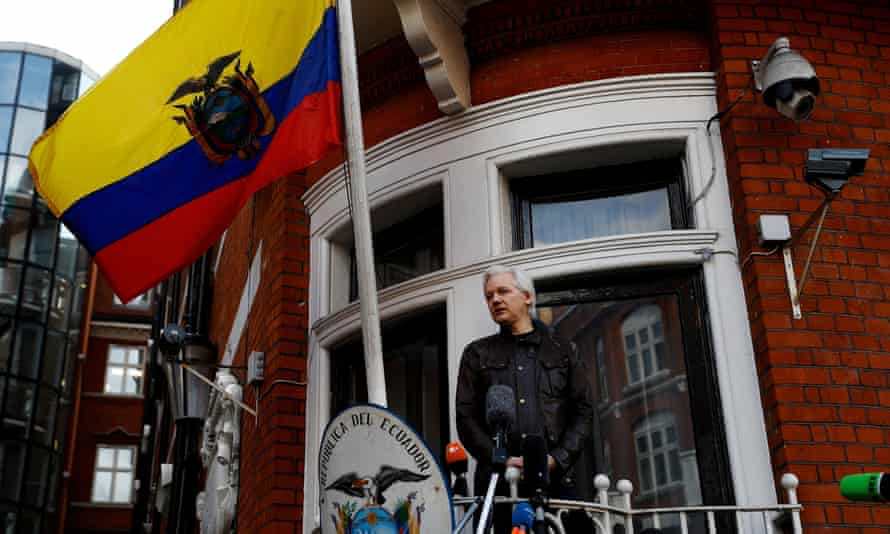 Julian Assange on balcony