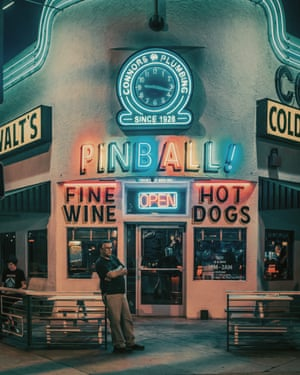 Walt's Bar  in Los Angeles by photographer Franck Bohbot.