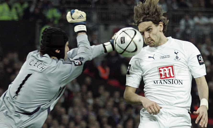 Tottenham's Jonathan Woodgate (right) heads the winner past Petr Cech in extra time of the 2008 League Cup final against Chelsea.