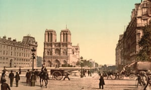 A coloured photograph of the cathedral on the Îsle de la Cité in about 1900