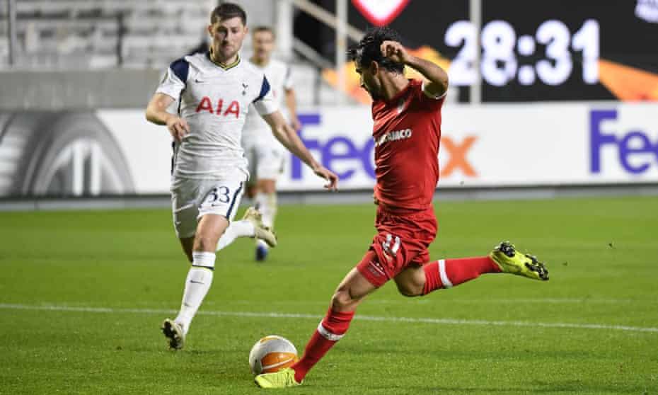 Antwerp's Lior Refaelov scores the winner against Tottenham