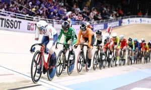 Laura Kenny of Great Britain at the front of the field during the women's scratch race