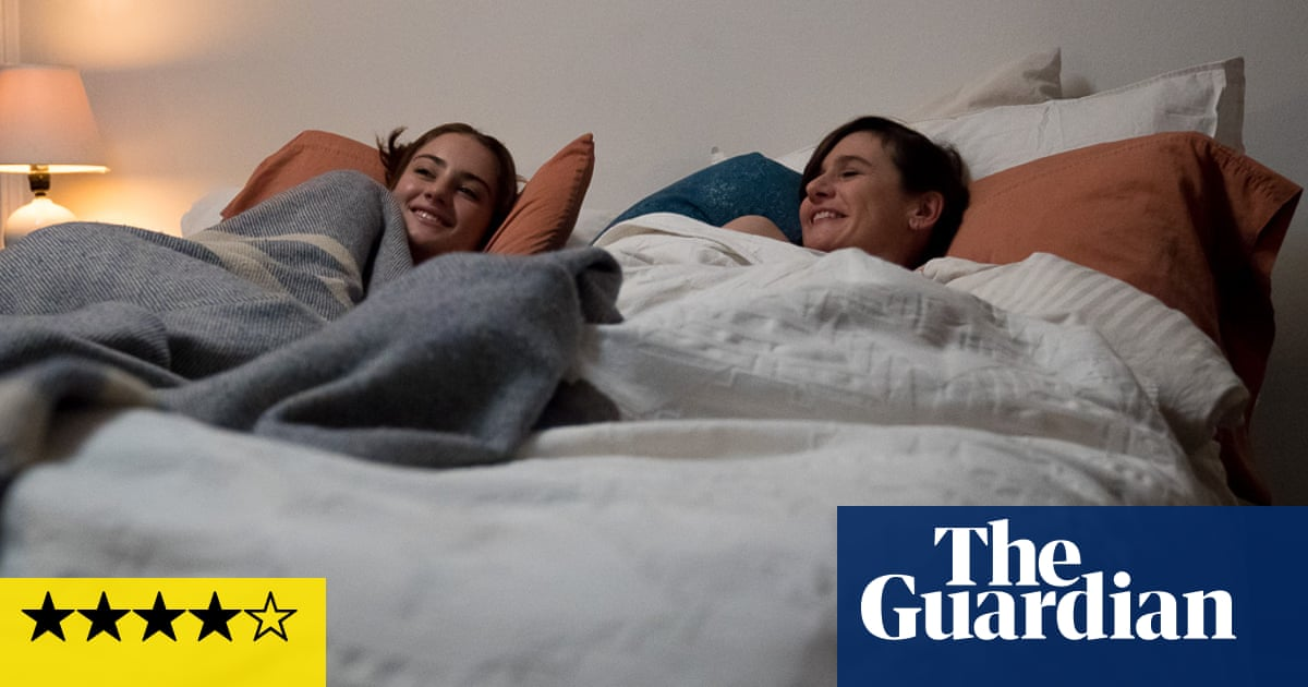 Good Posture review – spiky comedy from Dolly Wells