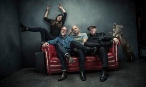 Pixes … New bassist at left, not right.