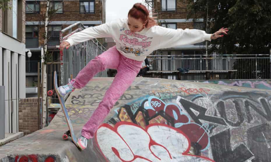 Stefani Nurding shows off her moves