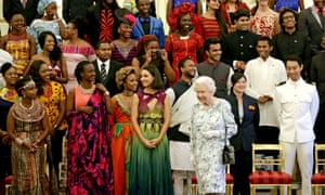 Queen Elizabeth with winners of the Commonwealth Young Leaders awards in London, June 2017