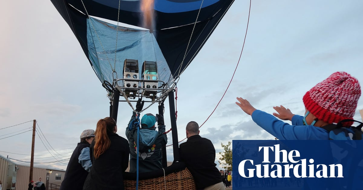 Balloons fill sky over New Mexico as fiesta returns after Covid hiatus
