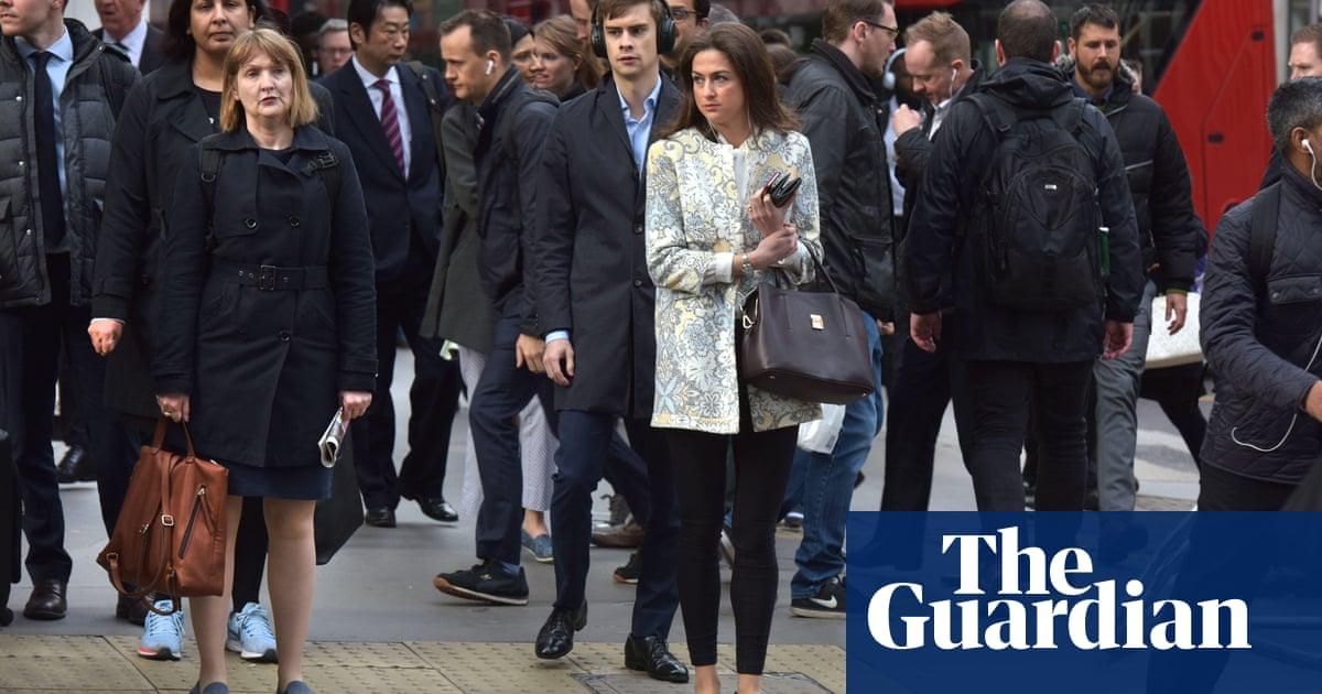 UK avoids recession but Brexit uncertainty damages growth