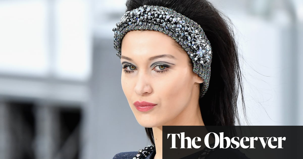 Back In Style: If You Want To Get Ahead, Get A Headband