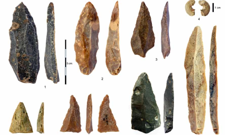 Stone artefacts found at Bacho Kiro cave