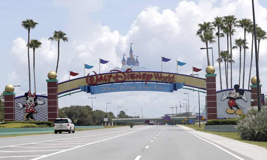 Walt Disney announced an additional layoff of 4,000 employees by end of March 2021, in addition to the 28,000 employees who began receiving separation notices in October 2020.