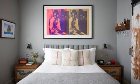 Artist Residence, London.