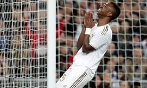 Vinícius Júnior reacts after missing a chance.