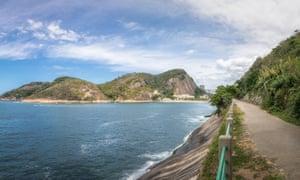 Cláudio Coutinho trail, Praia Vermelha (Red Beach) and Guanabara Bay.