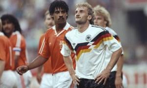Rudi Voller and Frank Rijkaard get acquainted in 1990