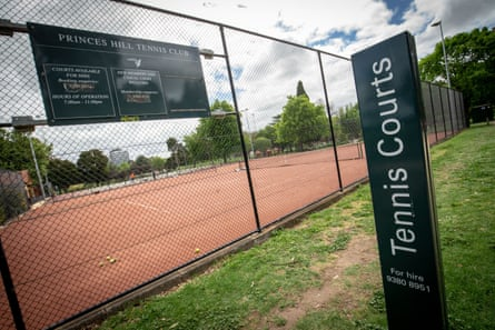 Outdoor sport settings such as tennis courts will be reopened as of 19 October.