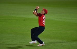 Curran takes a catch to dismiss Maxwell.