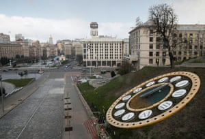 Empty streets at Maidan Nezalezhnosti (Independence Square) in Kiev, Ukraine