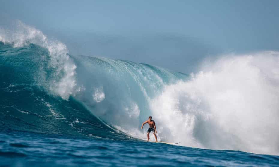 'Memory, like the tide, keeps bringing things back': a surfer in Waimea Bay, Hawaii