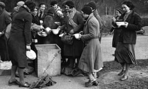 Soup is distributed to British hunger marchers.