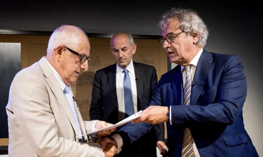 Salo Muller (left), Job Cohen (centre) and Roger van Boxtel