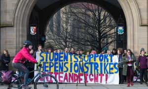 a lecturers' demo against pension changes