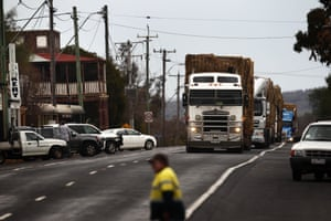 The convoy arrives in Dunedoo for a break