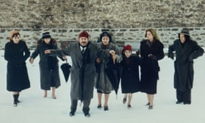 Theo Angelopoulos's The Travelling Players.