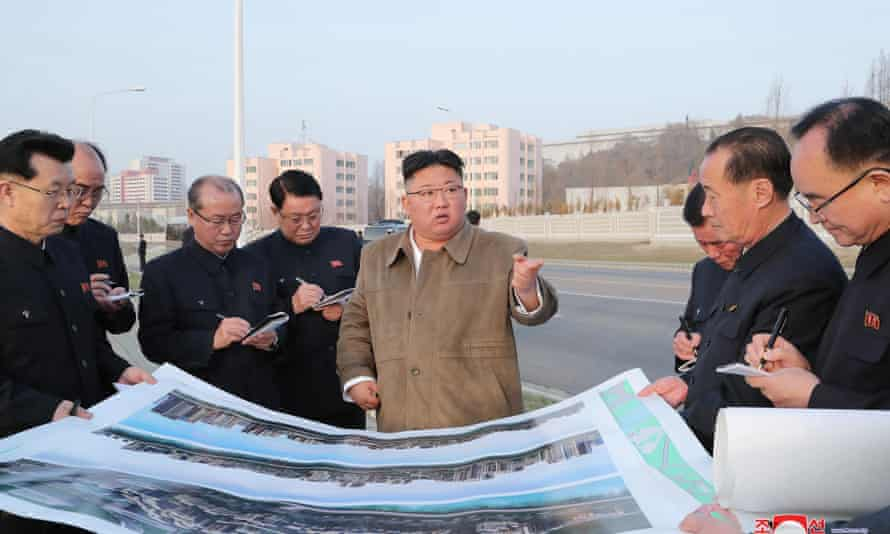 North Korean leader, Kim Jong-un, inspects construction site. The US, Japan and South Korea have promised to co-operate over the denuclearisation of the North.