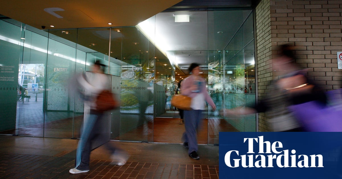 La Trobe University seeks lifeline from banks as seven found to be at 'high financial risk'   Coronavirus outbreak   The Guardian