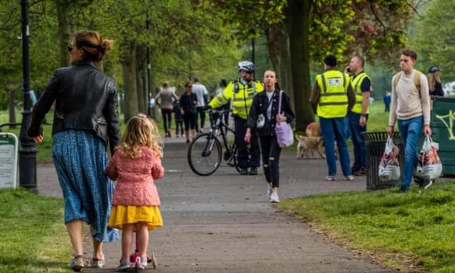 Park life during the Coronavirus Lockdown, London, UK - 18 Apr 2020. Photo by Guy Bell/REX/Shutterstock