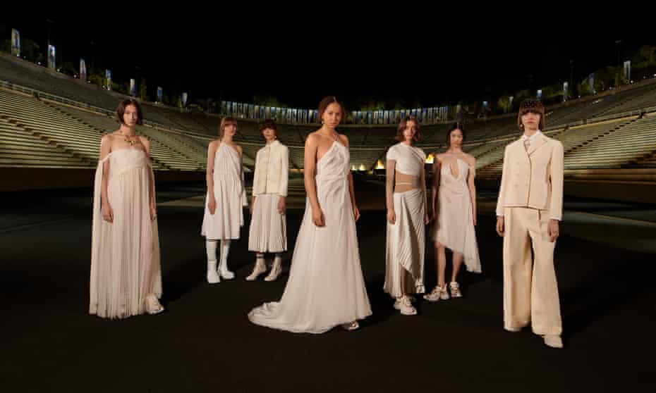 Koleksi Dior Cruise ditampilkan di stadion Panathenaic Athena