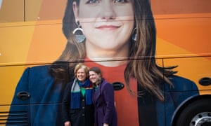 Lib Dem leader Jo Swinson with her mother Annette in front of the party's campaign bus in Glasgow.
