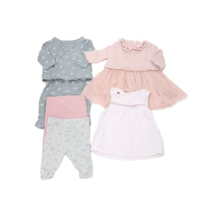 Girls newborn bundle, GBP8.50, loopster.co.uk