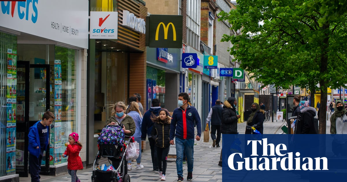 UK retail sector records fastest quarterly growth on record