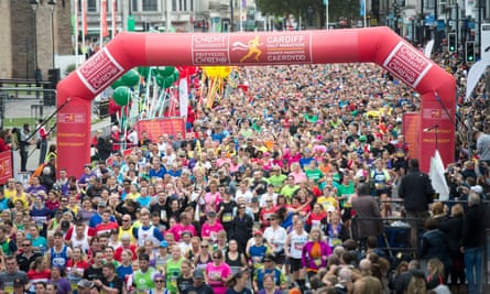 The start of the Cardiff half marathon.