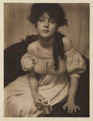 Gertrude Käsebier (1852-1934) Portrait of Evelyn Nesbit 1902.