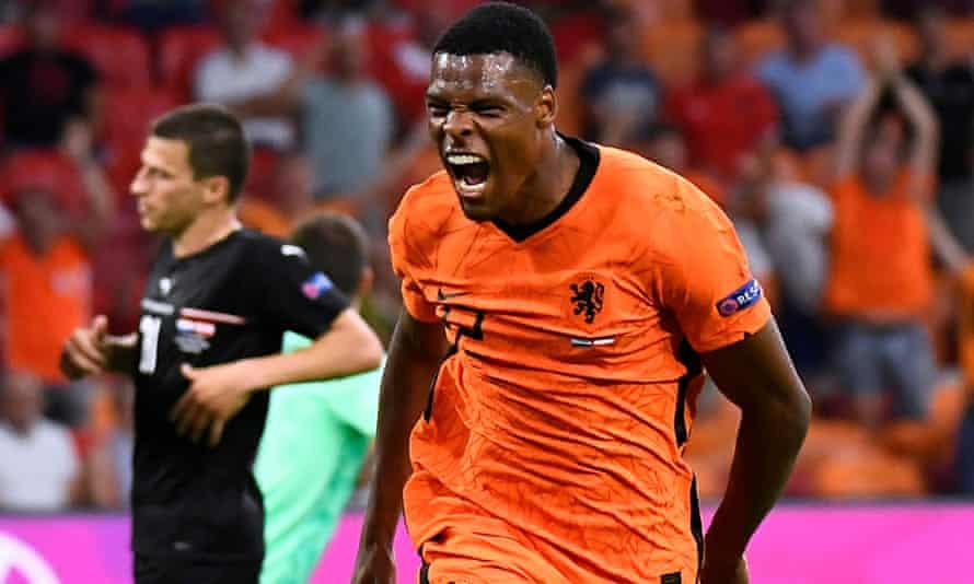 Denzel Dumfries celebrates scoring the Netherlands' second goal against Austria at Euro 2020.