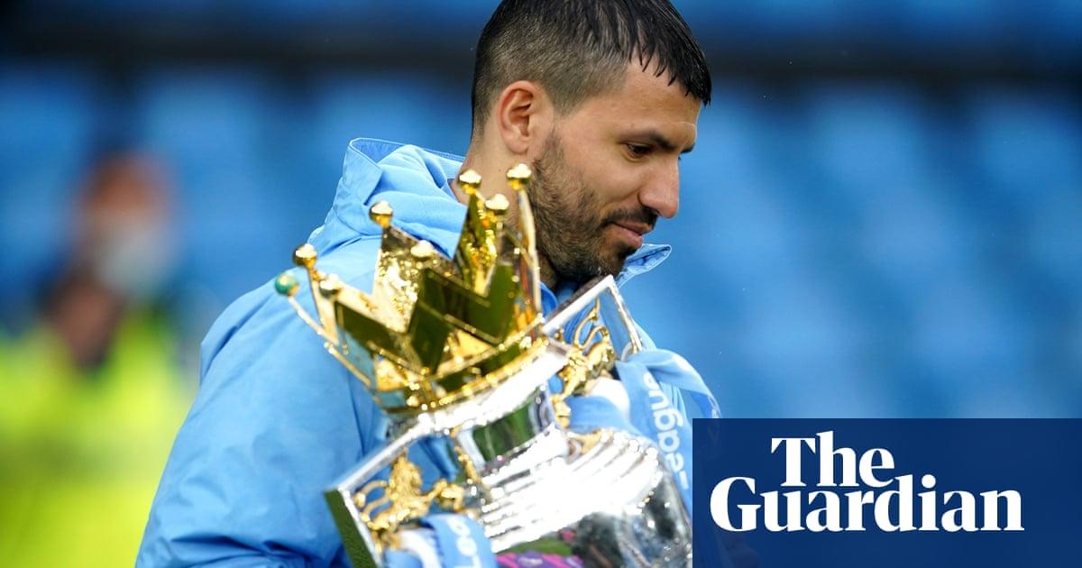 Sergio Agüero breaks scoring record as Manchester City crush Everton