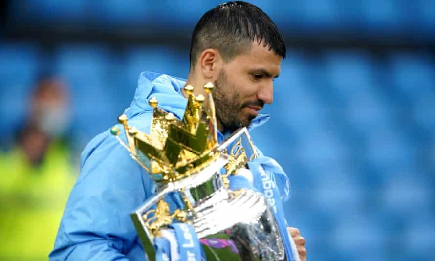 Sergio Agüero breaks scoring record as Manchester City crush Everton |  Premier League | The Guardian