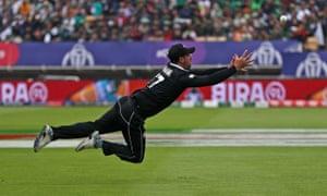 New Zealand's Colin de Grandhomme fails to make a catch.
