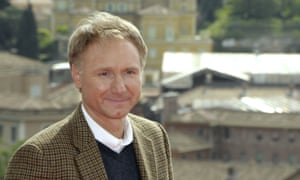 Dan Brown: complaining that he can't write is like complaining that crisps are crunchy.