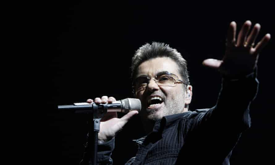 George Michael performs in California in 2008
