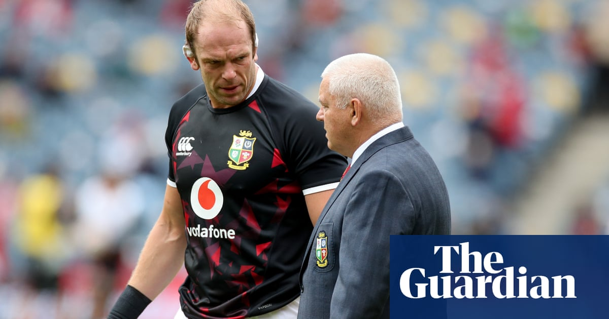 Alun Wyn Jones could make surprise return to Lions squad