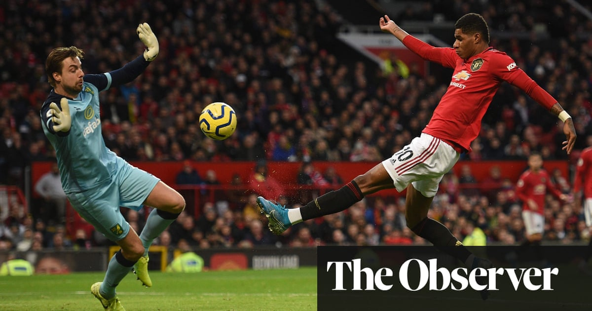 Manchester United thump Norwich as Marcus Rashford celebrates in style